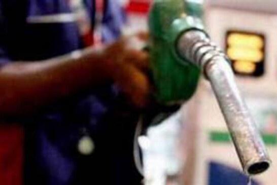 डीजल और पेट्रोल की कीमतों में राहत,आइये जानते है क्या भाव