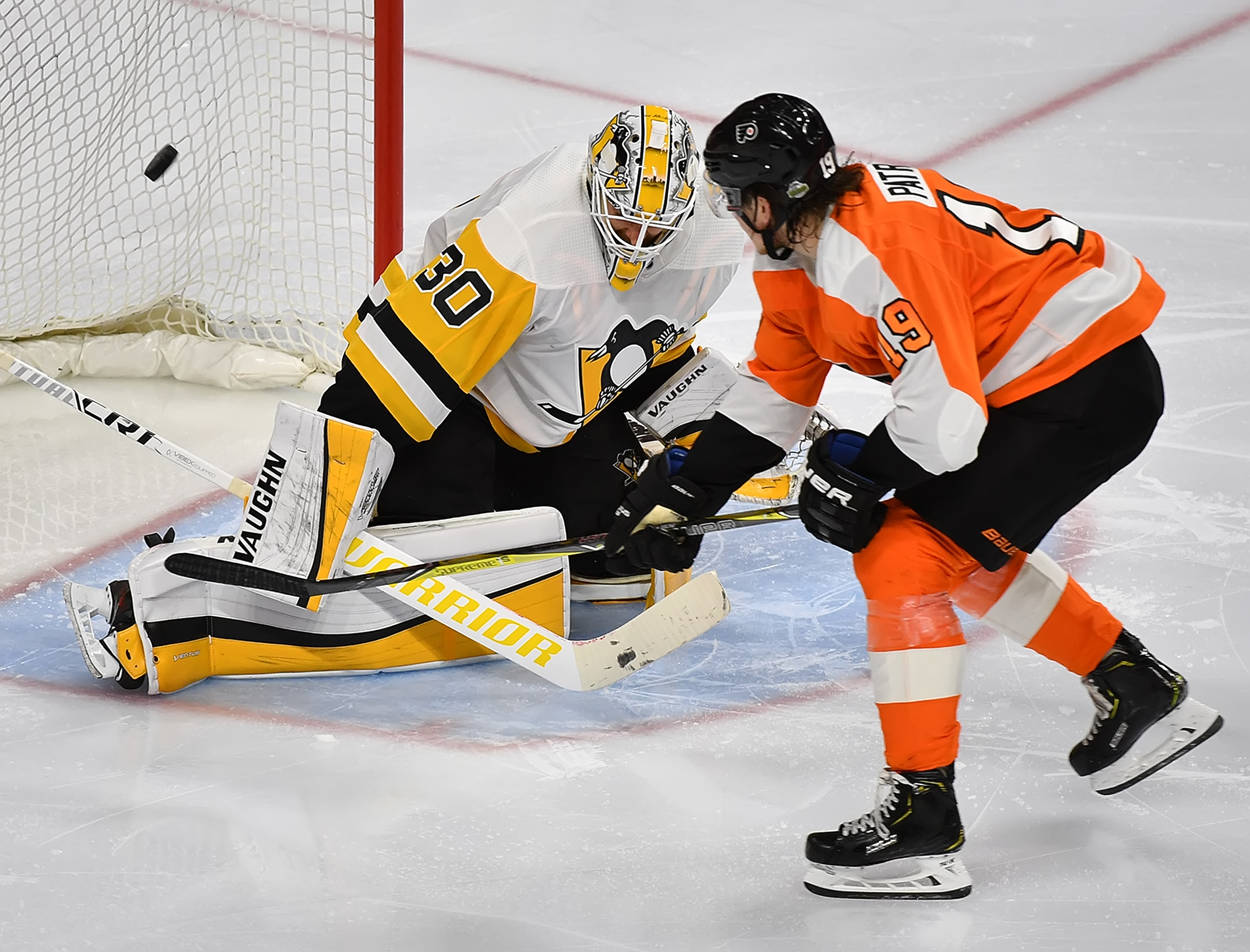 Couturier a GTD for Game 4 vs. Penguins