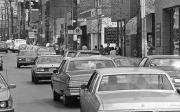 Walnut Street in Shadyside suffers from a shortage of parking spaces, April 1985 (Mark Murphy/Post-Gazette)