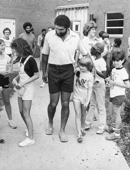 Franco Harris with his young fans