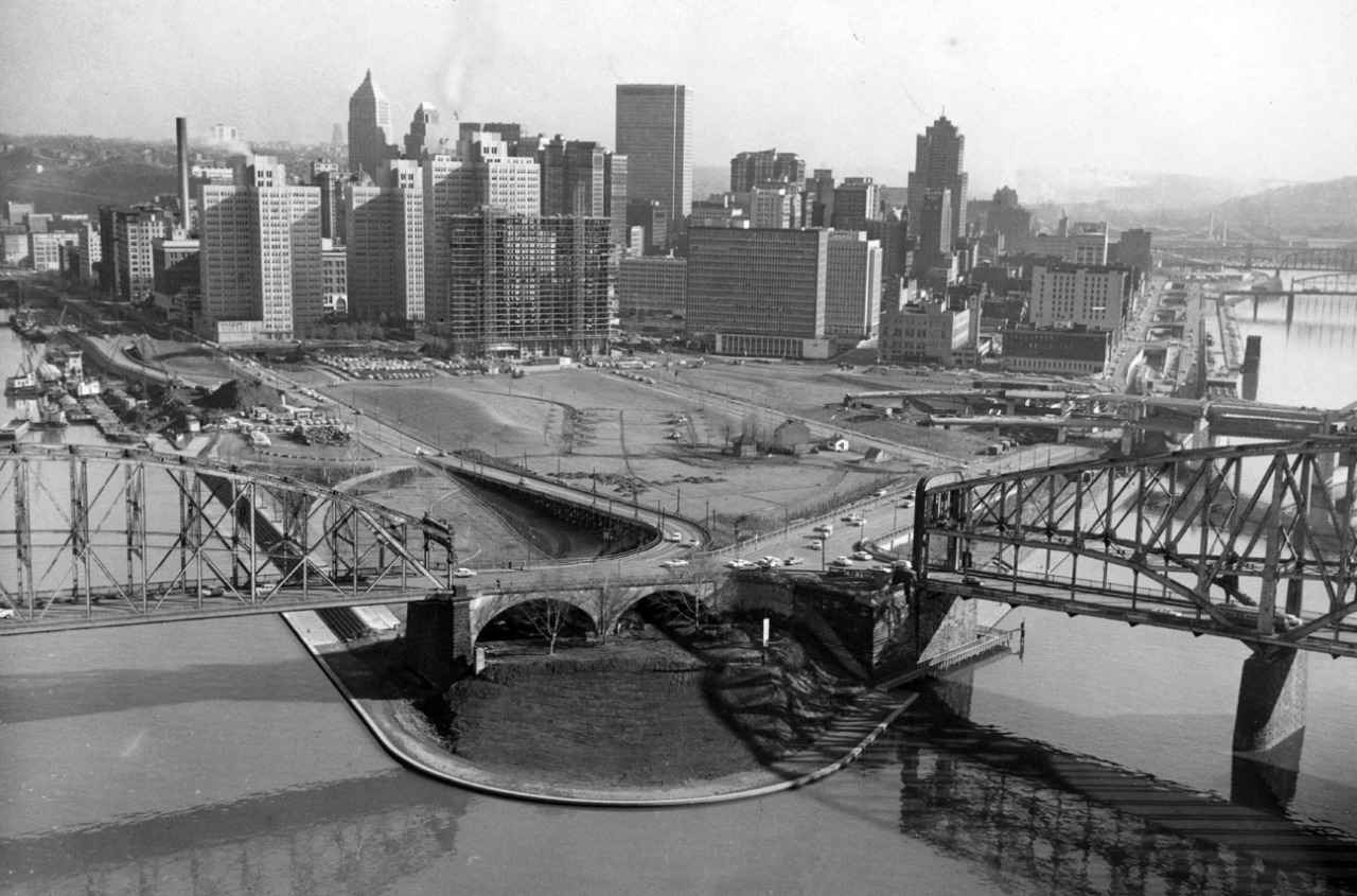 In this undated picture, work on the Ft. Pitt Bridge can be seen at right. (Pittsburgh Press)