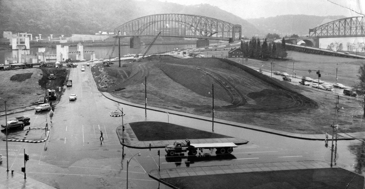 The Point on a rainy day in 1957. (Don Stetzer/Pittsburgh Press)