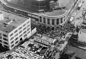 Fans lucky enough to get tickets to the 1960 World Series create a crowd outside the Forbes Field entrance gates (Century Millennium Project)