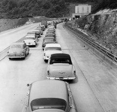 A 1954 traffic jam. (Pittsburgh Press photo)
