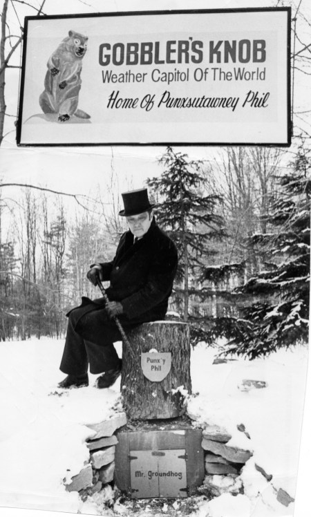 Charlie Erhard at the regal rodent's heated haunt in Gobbler's Knob, 1979 (James Klingensmith/Post-Gazette)