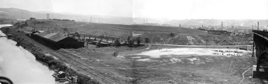 Panoramic view of the mound in 1946. (Sun-Telegraph photo)