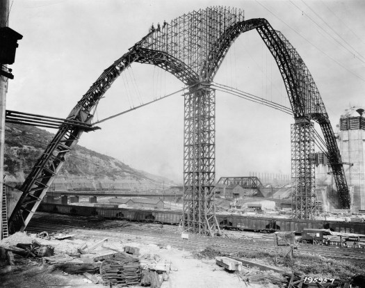 Framework for the bridge rises above the Turtle Creek Valley in 1931. (Photo credit: Unknown)