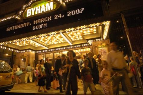 A crowd gathers outside the Byahm Theater in 2007. (Alyssa Cwanger/Post-Gazette)