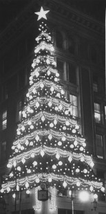 In November 1981, the illuminated Christmas tree signaled the start of holiday shopping in Downtown Pittsburgh. Pittsburgh Press Photo/Jim Fetters