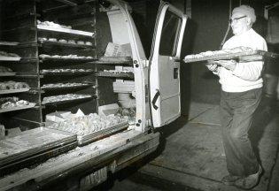 A truck full of sweet stuff (Jim Fetters/The Pittsburgh Press)