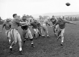 Steelers scrimmage during training camp in August 1957. (Stewart Love/The Pittsburgh Press)