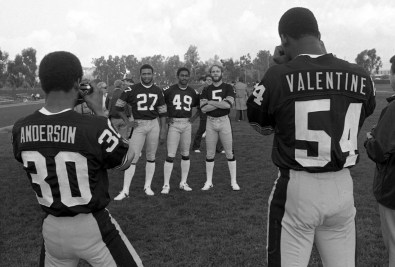 Picture time with, from left, Larry Anderson, Greg Hawthorne, Dwayne Woodruff, Craig Colquitt and Zack Valentine. (Albert M. Herrmann Jr./The Pittsburgh Press)