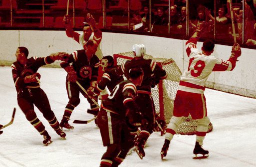 Pittsburgh Hornets score in a game against the Quebec Aces at the Civic Arena in 1967. (The Pittsburgh Press)