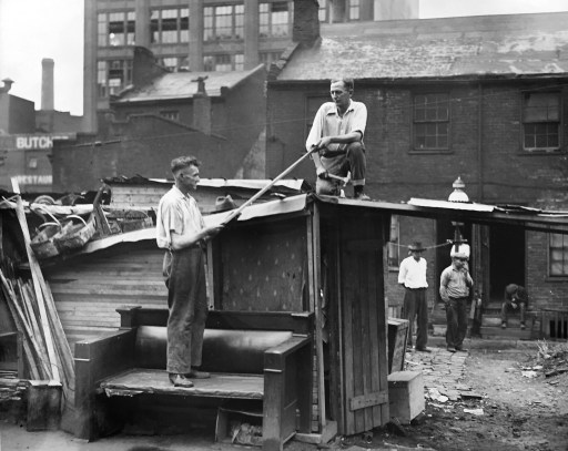 Scene of the shantytown on Liberty Avenue. (The Pittsburgh Press)