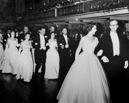 The Cinderella Ball, 1960. (Cinderella Ball Committee Records, MSS 1109, Detre Library & Archives, Heinz History Center)