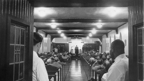Convicts at Western Penitentiary gather for an annual church recital. Photo published April 20, 1960. (Pittsburgh Sun-Telegraph)
