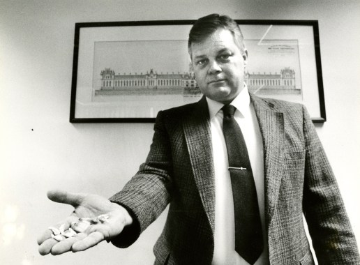 Western Penitentiary Deputy Superintendent Harry Callithen holds confiscated drugs from the prison in 1989. (David Spencer/The Pittsburgh Press
