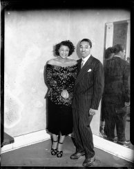 """Singer Ella Fitzgerald and her then-husband, bass player Ray Brown, possibly at he Syria Mosque in Oakland between 1948 and 1950. ( © Carnegie Museum of Art, Charles """"Teenie"""" Harris Archive )"""