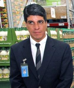 Ivan Báez, Walmart Puerto Rico's director of corporate affairs.