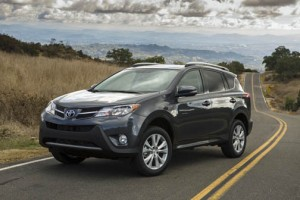 """The new RAV4 2013 is an evolution of the precedent this compact wagon established when it first came to market,"" said Toyota de Puerto Rico President Mario Dávila."