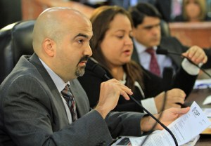 OMB Executive Director Carlos Rivas testifies Tuesday as Treasury Secretary Melba Acosta and Planning Board President Luis García-Pelatti listen on.
