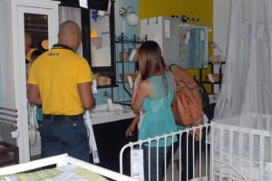 The size and layout of the IKEA Puerto Rico store is too small to have the pick-up and showroom on the same floor/area.