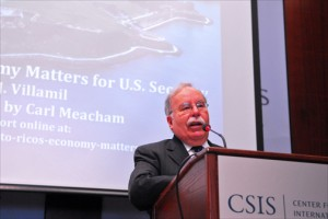 Economist José Villamil, president of Estudios Técnicos Inc., discusses Puerto Rico's economic crisis Jan. 28 at Washington's Center for Strategic & International Studies. (Credit: Larry Luxner)