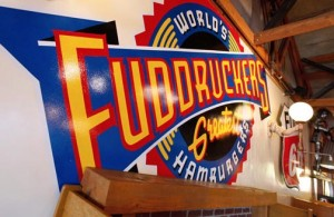 The Santo Domingo restaurant will merge Fuddruckers' design scheme, which references the brand's classic, roadhouse origins, with a splash of local flavor, including imagery of local sports heroes.
