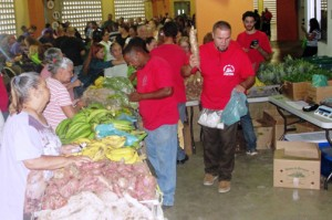 The Family Market aims for the community and Nutrition Assistance Program beneficiaries to have access to fresh, locally grown food.