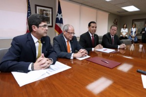 From left: Puerto Rico Trade and Export Executive Director Francisco Chévere, Rafael Flores, second vice president of Scotiabank's commercial banking division, EDB President Joey Cancel-Planas and Secretary of State David Bernier.