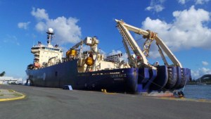 The Ile de Batz is the cargo ship owned by Alcatel-Lucent that has been laying down the cable.