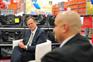 Sports Authority CEO Michael Foss and District Manager Armando Pérez.