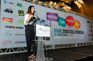 Auribel Chaar, director of JWT San Juan's digital division, addresses participants during last week's SME Digital Forum.