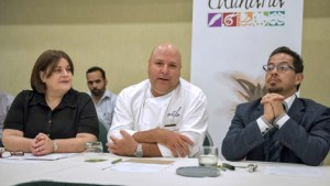 From left: Barbara Mari Pennock, Chef Wilo Benet and Antonio Montecinos-Torres.