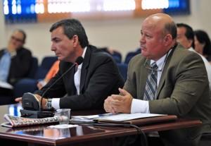 From left: Felipe Pérez-Grajales, chairman of Mayagüez 2010, and the entity's attorney, testify Thursday.
