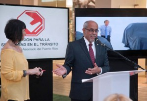 From left: Myrna Escabí, one of the organizers of the PRIAS exhibit, and Myrna Escabí and José A. Delgado-Ortiz, executive director of the Traffic Safety Commission offer details during a Monday news conference.