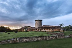 The Royal Isabela property features luxury amenities and a sprawling golf course. (Credit: ©David Sundberg/Esto)