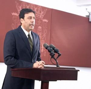 Puerto Rico Chief of Staff Víctor Suárez.