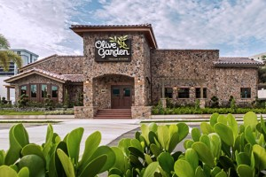 The new 8,000 square-foot restaurant in San Patricio will have a capacity for 250 patrons.