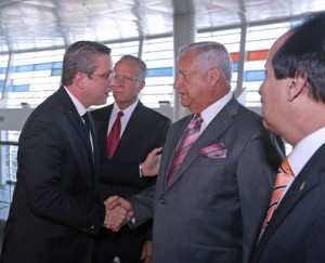 Gov. García-Padilla said he signed the bills during a press conference prior to flying to Washington DC on Tuesday. He was flanked by several prominent Puerto Rico mayors.