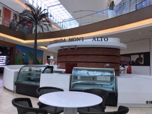 The Hacienda Monte Alto coffee kiosk closed its location at The Mall of San Juan, to be replaced by Corso Coffee later this month.