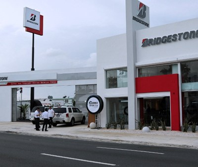 The new 2,500 square-foot service center will offer a full line-up of high-performance tires for cars and trucks. (Credit: PRNewsFoto/Bridgestone Latinoamerica Norte)