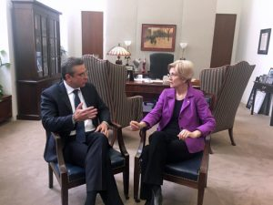Gov. García-Padilla during a meeting with Sen. Elizabeth Warren in Washington.