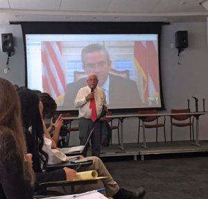 Former New York Lieutenant Gov. Richard Ravitch introduces Gov. García-Padilla during Tuesday's one-day seminar in New York.