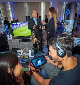 AT&T Puerto Rico General Manager, José Juan Dávila, offers a tour of the provider's products and service lineup for the holiday season.