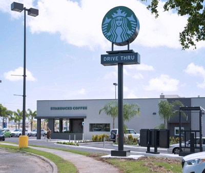d9e8492656 Starbucks opens Los Colobos store