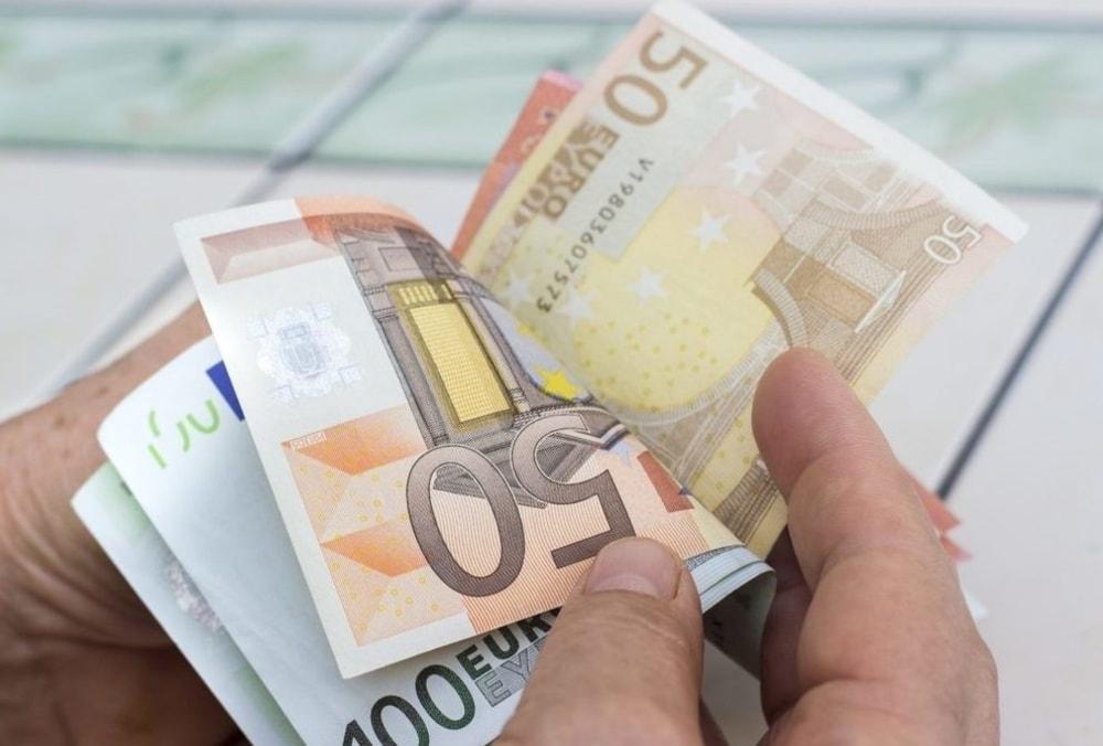 Bonus di 100 Euro, ecco i lavoratori della Scuola a cui spetta