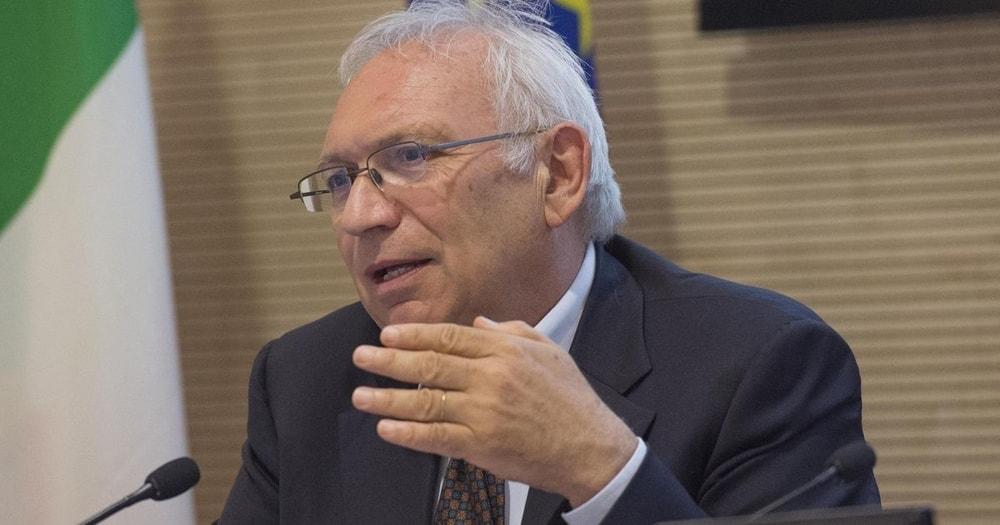 """Ministro Bianchi: """"A settembre tutti i docenti in cattedra e a scuola in sicurezza"""""""