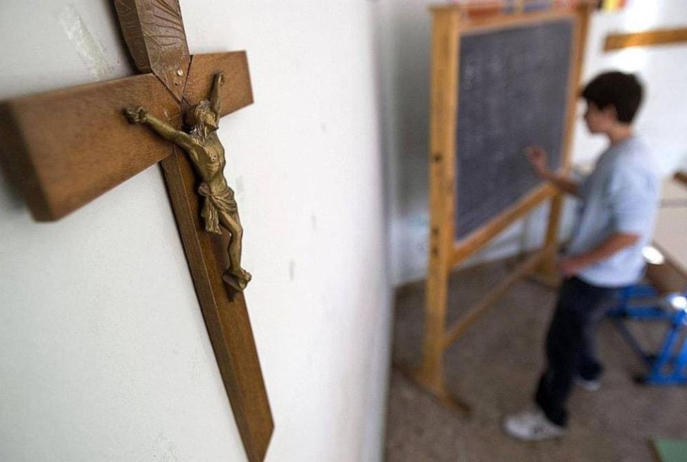 Ora di Religione: la senatrice Granato chiede l'abolizione