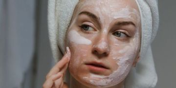 Can you use baking soda on your face?